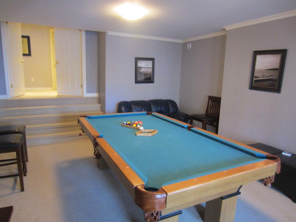 4 Bed Pool Table